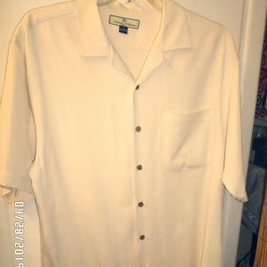 TOMMY BAHAMA MEN'S MEDIUM BUTTON DOWN SHIRT USED